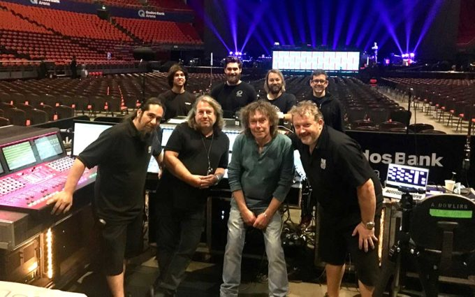 Paul McCartney crew